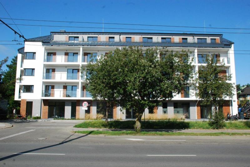 Kamienica Rdestowa 4-piętrowy budynek